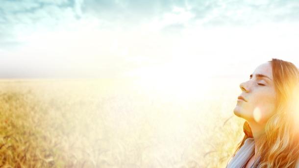 Woman-of-Faith-Worship-Background
