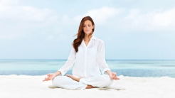 woman-meditating-by-Healthista.com-